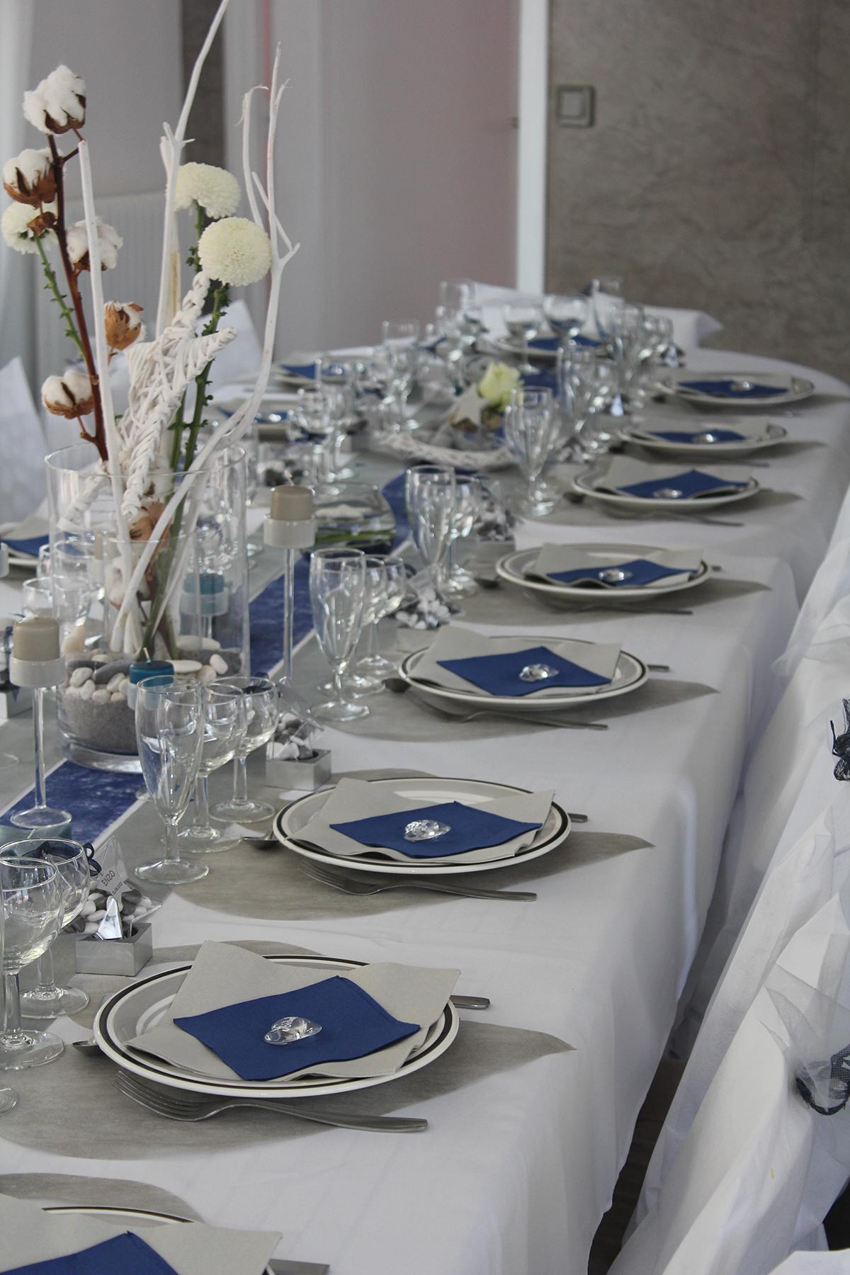 Table d'évènement pour baptême à domicile au Pays Basque