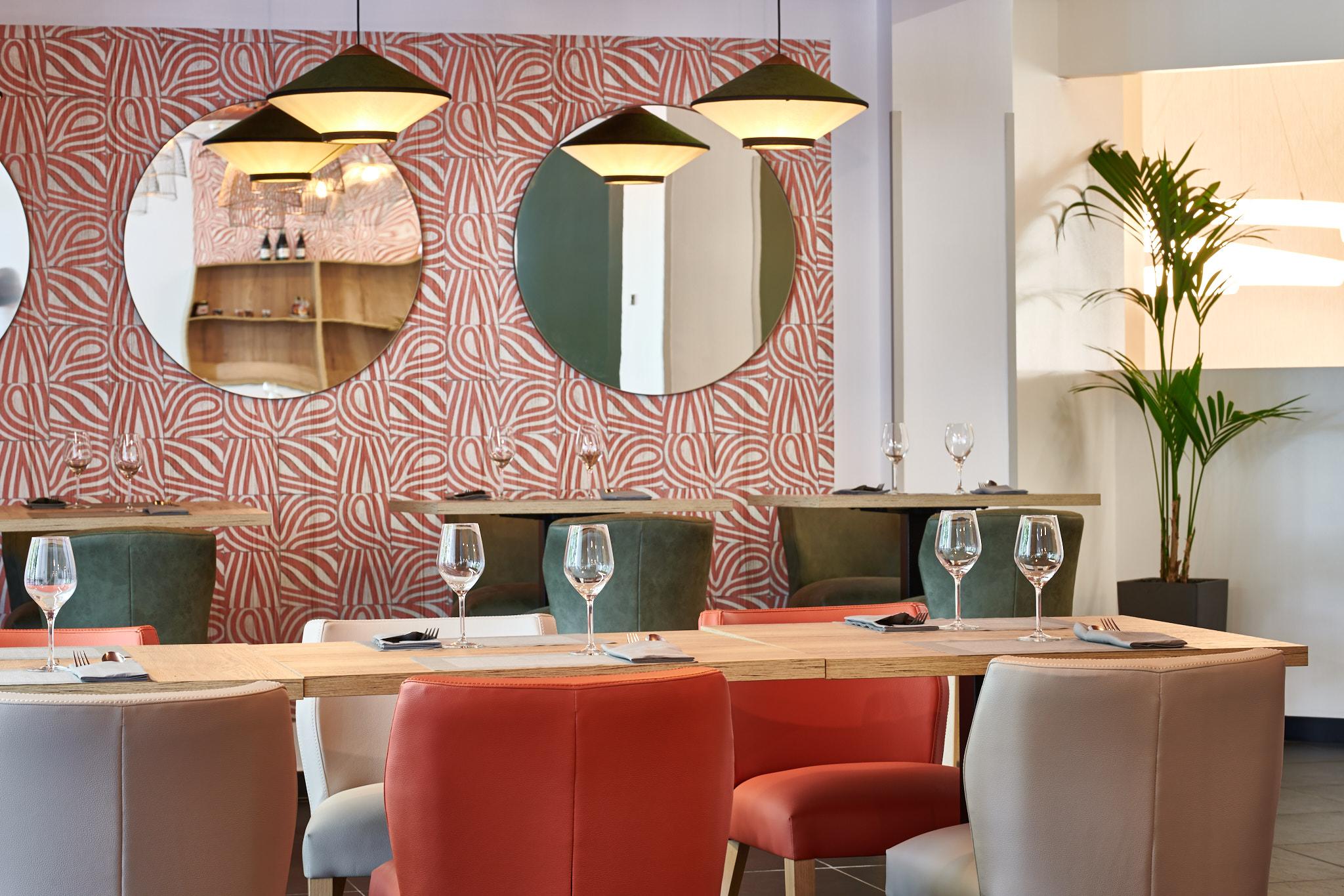 Project designer effet miroir et ambiance cosy dans un hôtel Pays-Basque