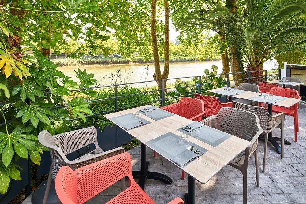 Mise en valeur terrasse hôtel Bord de Nive à Bayonne