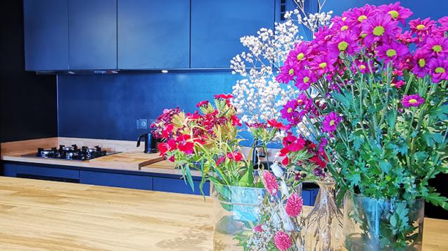 Mise en scène d'une cuisine imaginée à Saint Jean de Luz par l'agence ID'Harmonies