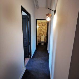 Rénovation couloir style moderne noir et blanc Biarritz