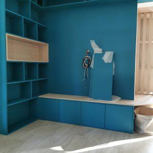 Réalisation du meuble TV sur mesure bleu canard Biarritz