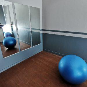 Salle posturale pour ostheopathe en harmonie avec tout le centre de bien être à Anglet