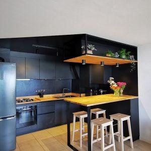La cuisine originale façon boite noire à Saint Jean de Luz